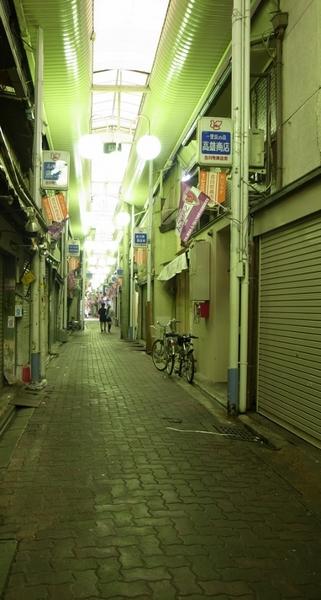 京都謎の商店街 (429x800).jpg